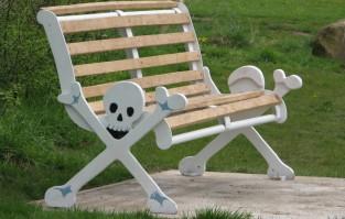 skull bench